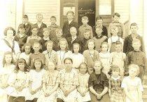 Image of 2008.067.012 - Anacortes Washington, School photo, 1922.
