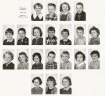 Image of 2010.009.022.001-.002 - Fidalgo Elemetary School, 3rd Grade 1960-61 Mrs. Lyons