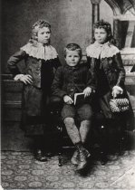Image of Alice (Allie), Harry & Minnie Burdon