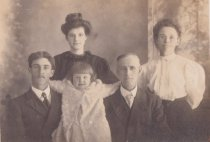 Image of Seth B. Maves and family