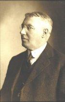 Image of Douglas Allmond