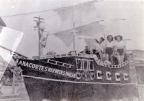 Image of Marineers Pageant float