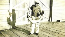Image of Fritz Rydberg with 85 lb. salmon
