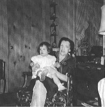 Image of Irene Funk with granddaughter