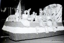 Image of 1940 Marineer Parade - Lady Eagles float