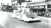Image of WF 1463.A,B - 1941 Marineer Parade - Rotary Club float