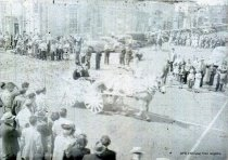 Image of 1947 Marineer Parade - horse and buggy