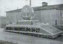 Image of Official Marineers Pageant float - 1947