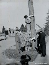Image of WF 1754 - Kiwanis Club installing a street sign