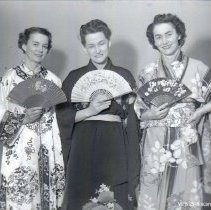 Image of WF 2548 - Ethel Hibler, Gwen Beard, Barbara Wells - MIKADO