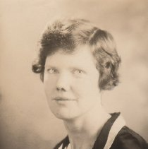 Image of WF 2612.002 - Mary Carter, AHS chemistry and biology