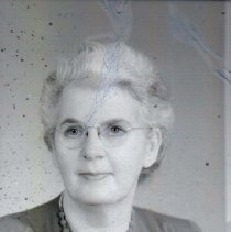 Image of WF 2656.003 - Maude Webb, librarian