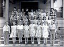 Image of WF 2715 - Miss Gladys Schmandt's 4th grade, Whitney School