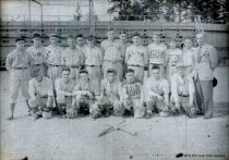Image of 1943 high school baseball team