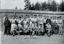 Image of WF 3024 - 1945 high school baseball team