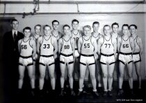 Image of high school basketball team