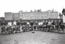 Image of 1933 football team