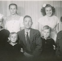 Image of WF 4075 - LARSON family of Guemes Island
