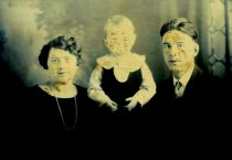 Image of OLDOW, John and family