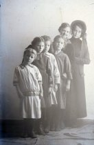 Image of WF 5333 - Salvation Army woman with young girls