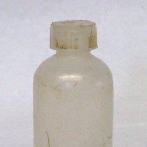 Image of 2012.030.004 - Bottle