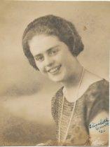 Image of Elisabeth Doust