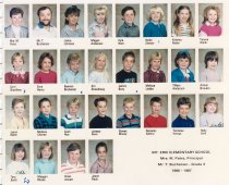 Image of 2009.016.017 - Classroom photograph of students, teacher and principal @ Mt. Erie School,