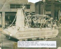 Image of 2013.062.001 - Marineers Pageant 1940 Creamery float