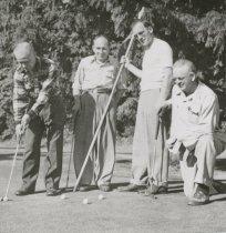 Image of Kiwanis Club playing golf