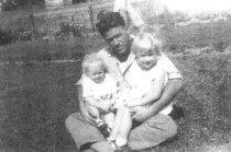Image of 2013.023.029.022 - Shirlie, Robert and Doris Stone
