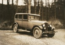 Image of 2013.088.010 - Automobile, possibly c.1920-1935