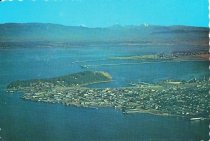 Image of 2014.011.013 - aerial postcard view of Anacortes