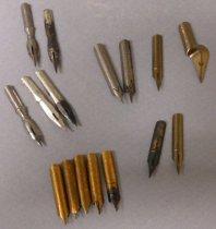 Image of 2002.004.002 - Pen, Metal Nib