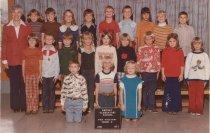Image of 2009.016.318 - Whitney School  1975-1976  Grade 2