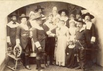 Image of D.II.252 - Group dressed as pilgrims