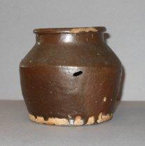 Image of brown ceramic pot