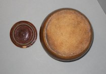 Image of ceramic pot (bottom) and lid