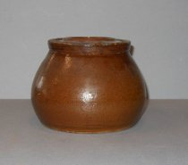 Image of ceramic pot and lid