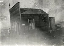 Image of D.XV.102 - Unidentified building, Bay View, WA.