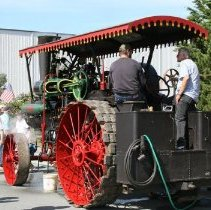 Image of 2015.059.022.028-.029 - steam powered vehicle