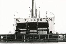 Image of D.XXV.080.004 - stern of W.T. PRESTON