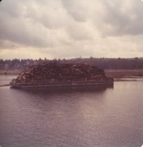 Image of D.XXV.132.001 - barge loaded high with debris