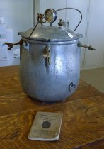 Image of Pressure cooker with manual