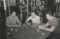 Image of 2015.089.002 - crewmen playing cards