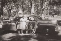 Image of D.II.255 - Jean Burdon Forrest and relatives