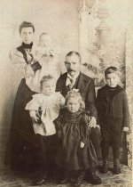 Image of William & Isabella Leadbetter family