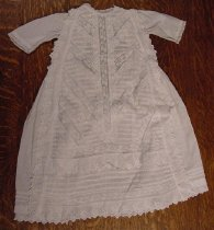 Image of 2003.027.008 - Baby gown