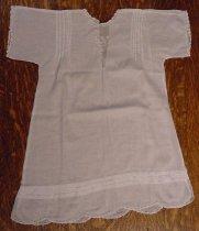 Image of 2003.027.009 - Childs dress