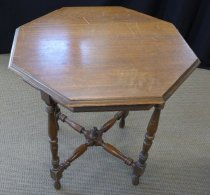 Image of fic.0832 - Table, Parlor