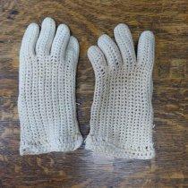 Image of White crocheted gloves